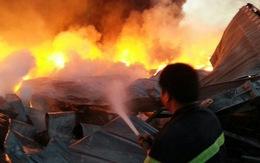 Biển lửa bao trùm nhà máy Diana Bắc Ninh